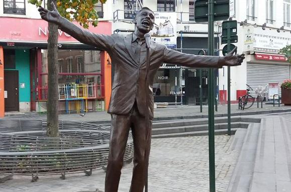 statue jacques brel